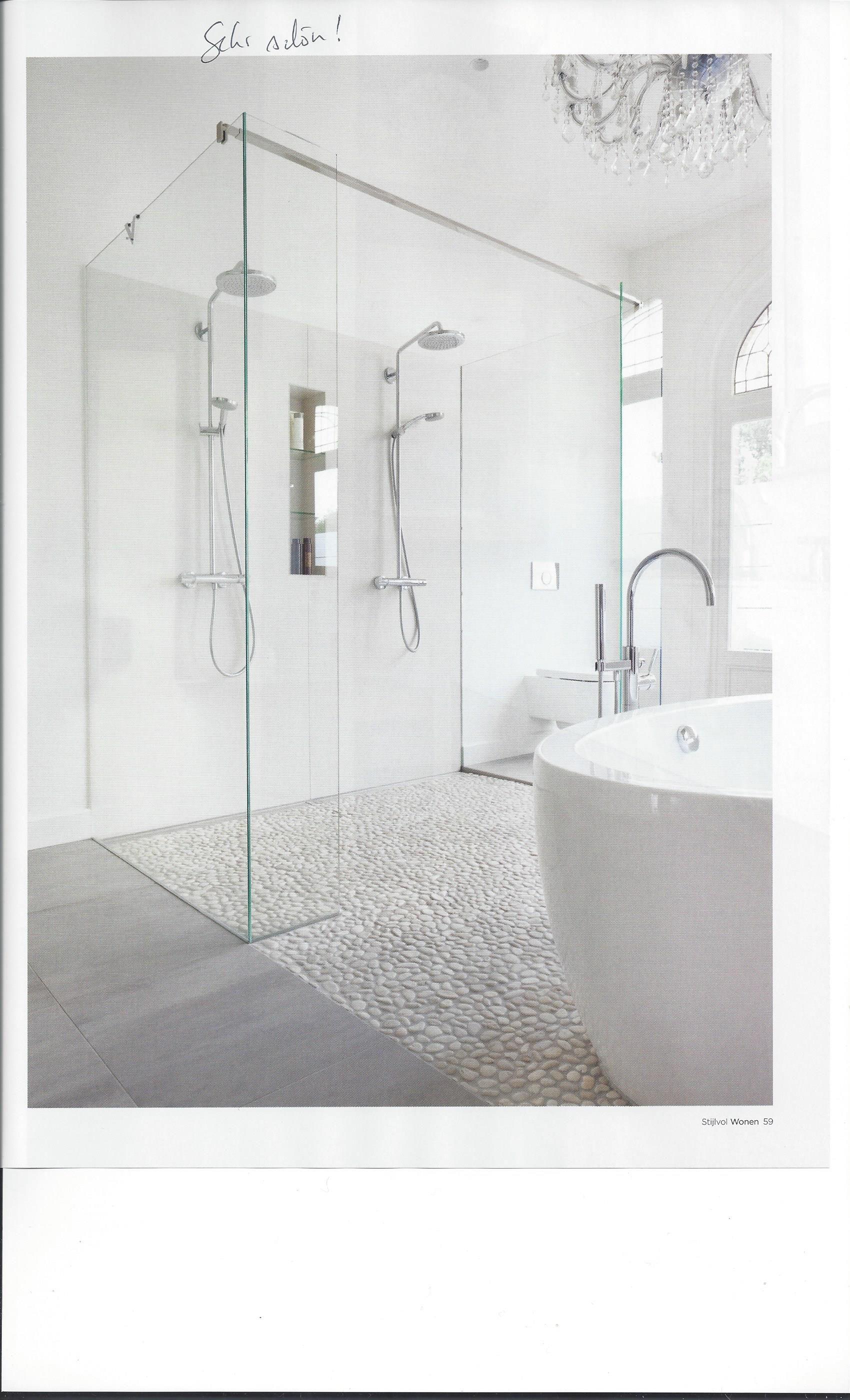 Tolle Doppeldusche Klo Aber Immer Getrennt Und Bodenbelag Muss Pflegeleicht Sein Evtl Fliesen Statt Steine Begehbare Dusche Badezimmer Badezimmer Design