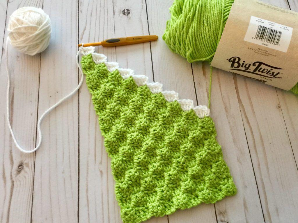Grinch Inspired C2C Scarf Free Crochet Pattern #grinchscarfcrochetpatternfree
