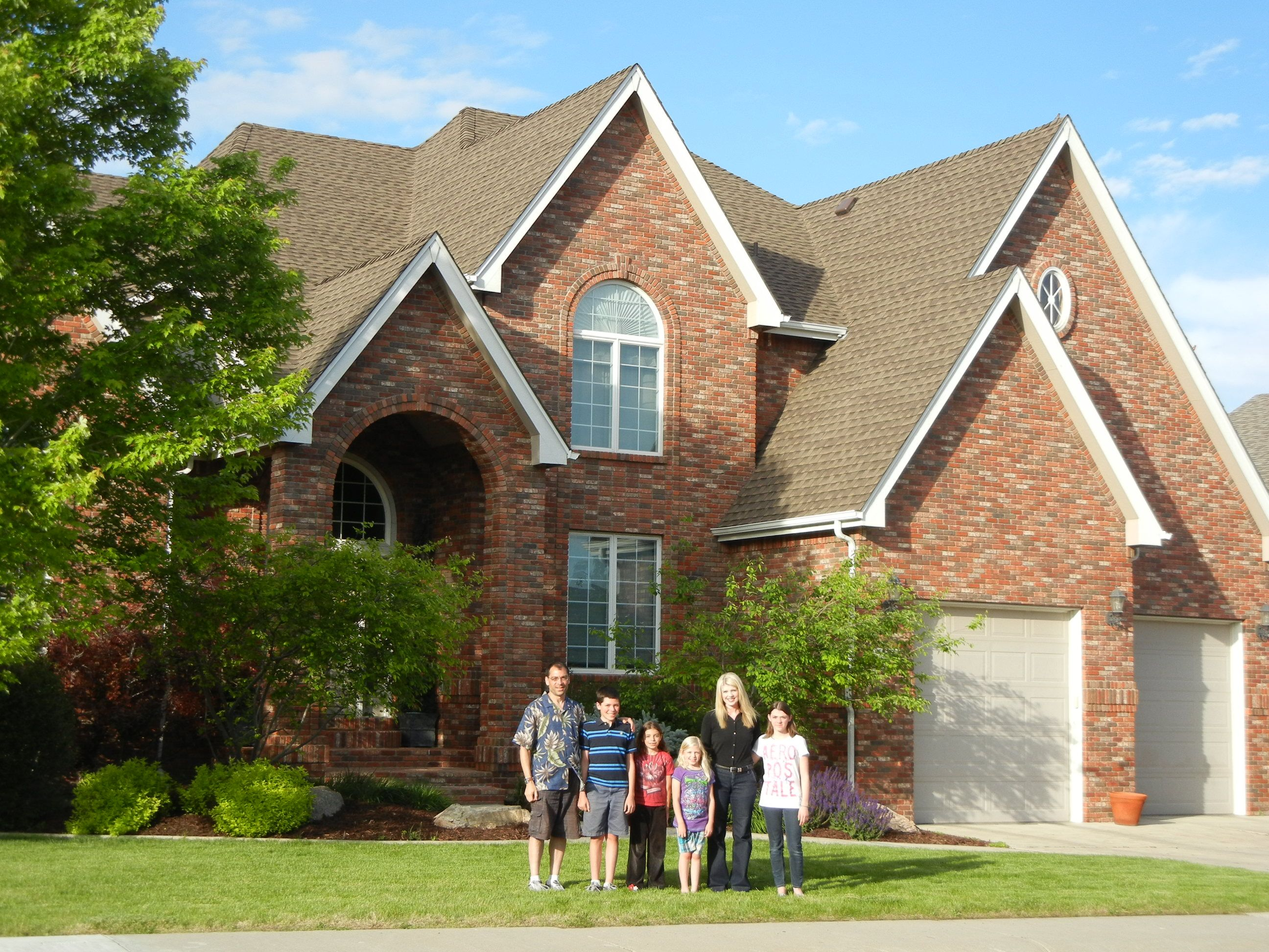 The Safety A Gaf Roof Offers To A Family Is Incomparable Roof Architecture Roof Styles Roofing Diy
