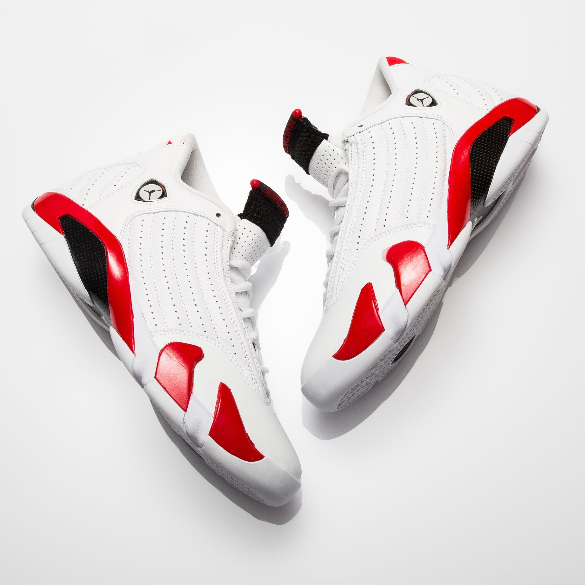 Sneaker Shouts</p>                     </div>   <!--bof Product URL --> <!--eof Product URL --> <!--bof Quantity Discounts table --> <!--eof Quantity Discounts table --> </div>                        </dd> <dt class=