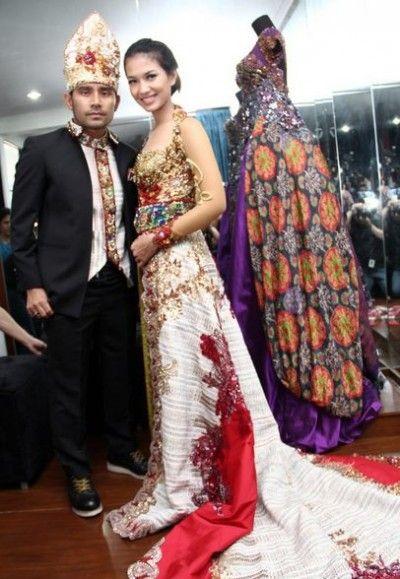 Model Baju Kebaya Pengantin Artis Duma Riris Adat Batak Kebaya In