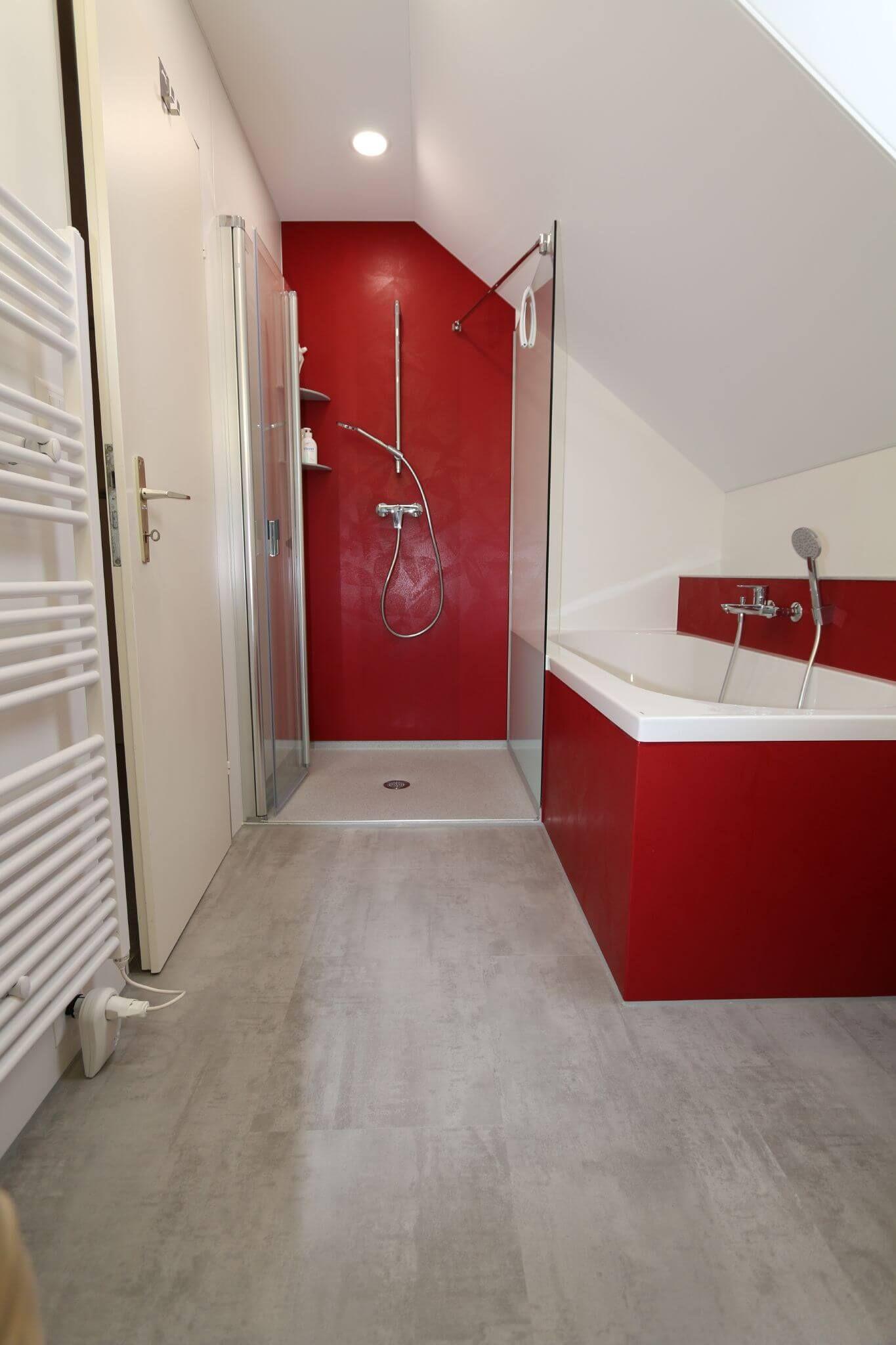 Traumbad Mit Bodengleicher Dusche In 24h Badsanierung Sanierung Neues Bad