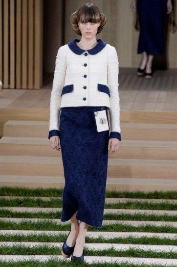 save off 50c31 0fc7c Abito bianco e blu Chanel - Tailleur con giacca bianca e ...