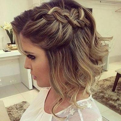Peinados para vestidos en cabello corto