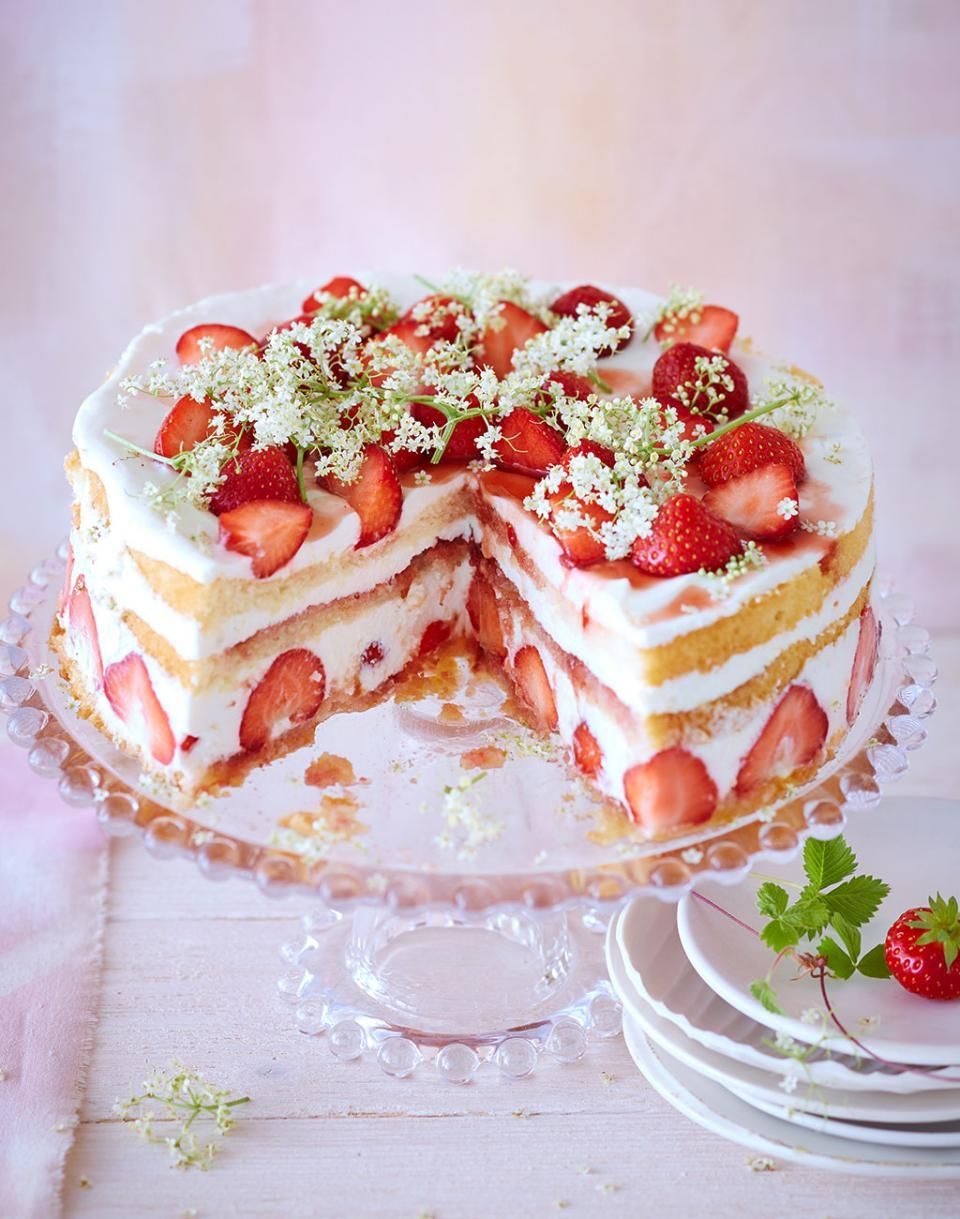 ErdbeerHolunderbltenTorte  Recipe  Cake  Pinterest  Erdbeertorte Kuchen and Backen