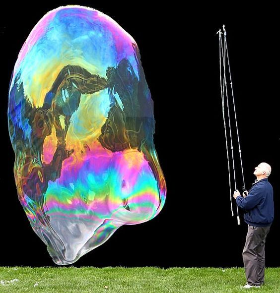 This Guys Is Obsessed With Bubbles So Cool Second Best Homemade
