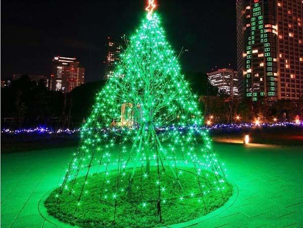 different types of green christmas lights to pick from light decorating ideas