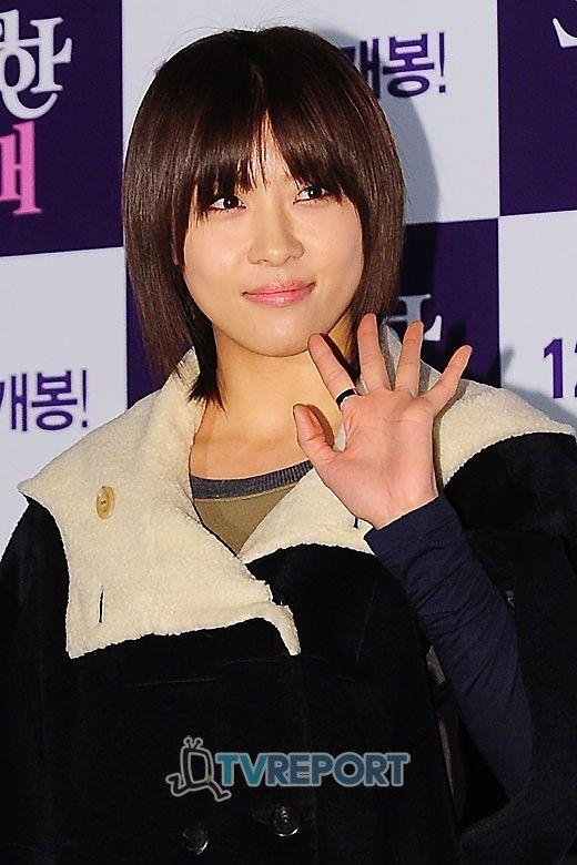 Ha Ji Won (Korean 전해림) is a South Korean actress. | 顔, 韓国