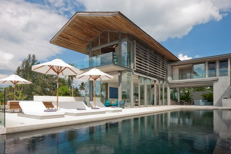 Beachfront House With Rooftop Garden By Original Vision