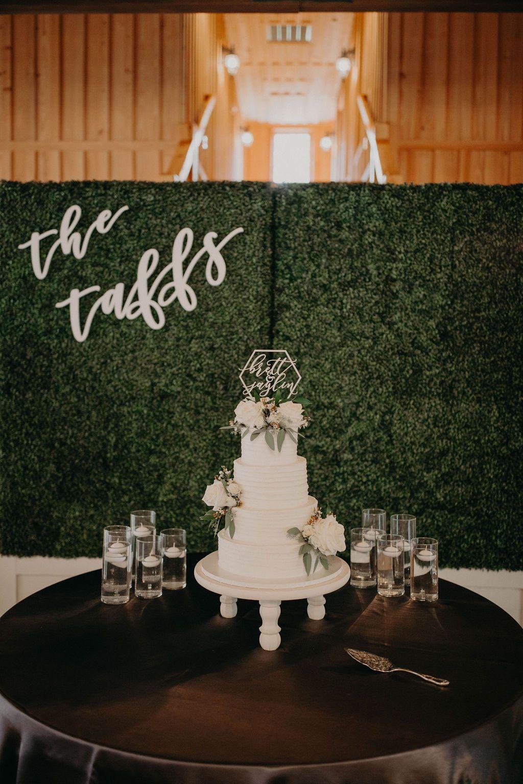 Bohemian Wedding Cake Table Decor Bohemian Wedding Reception Cake Table Deco Wedding Cake Table Decorations Wedding Reception Cake Table Wedding Cake Table