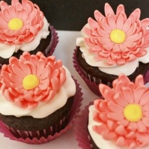 lots of great cake decorating tutorials