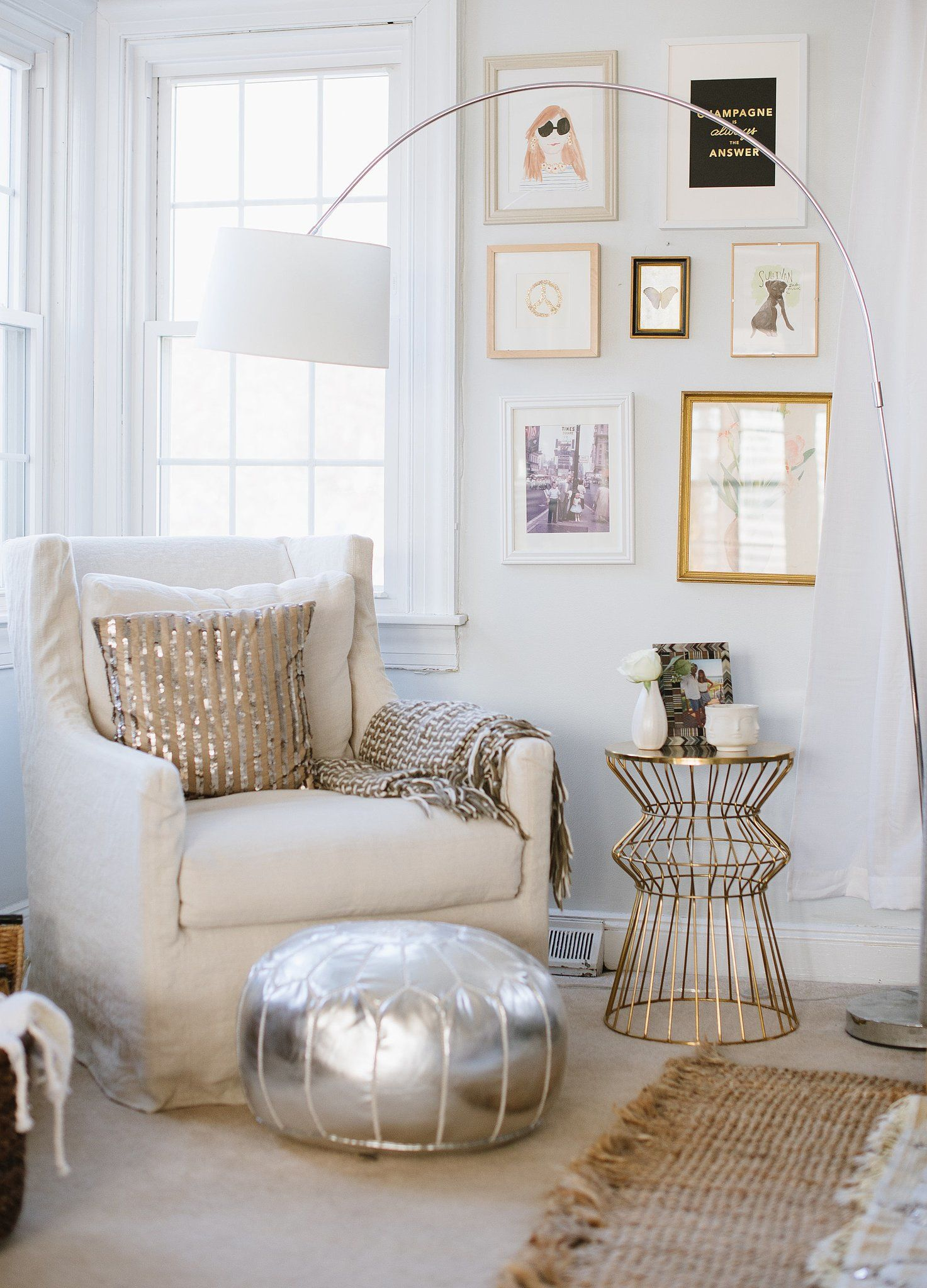 Lovely reading nook #interiors #contemporaryfurniture #homedecor #furniture #homeinspiration http://www.sierralivingconcepts.com/