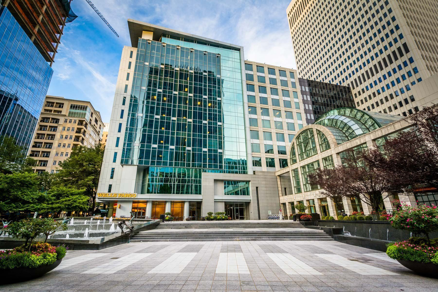 Modern buildings and open space in Uptown Charlotte, North Carolina ...