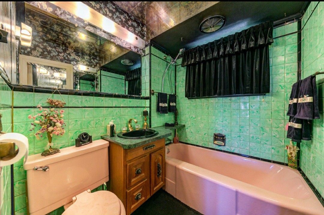 Pin By Allthepreciousthings On My Mcm Home Inspiration In 2020 Green Bathroom Mint Green Bathrooms Bungalows For Sale