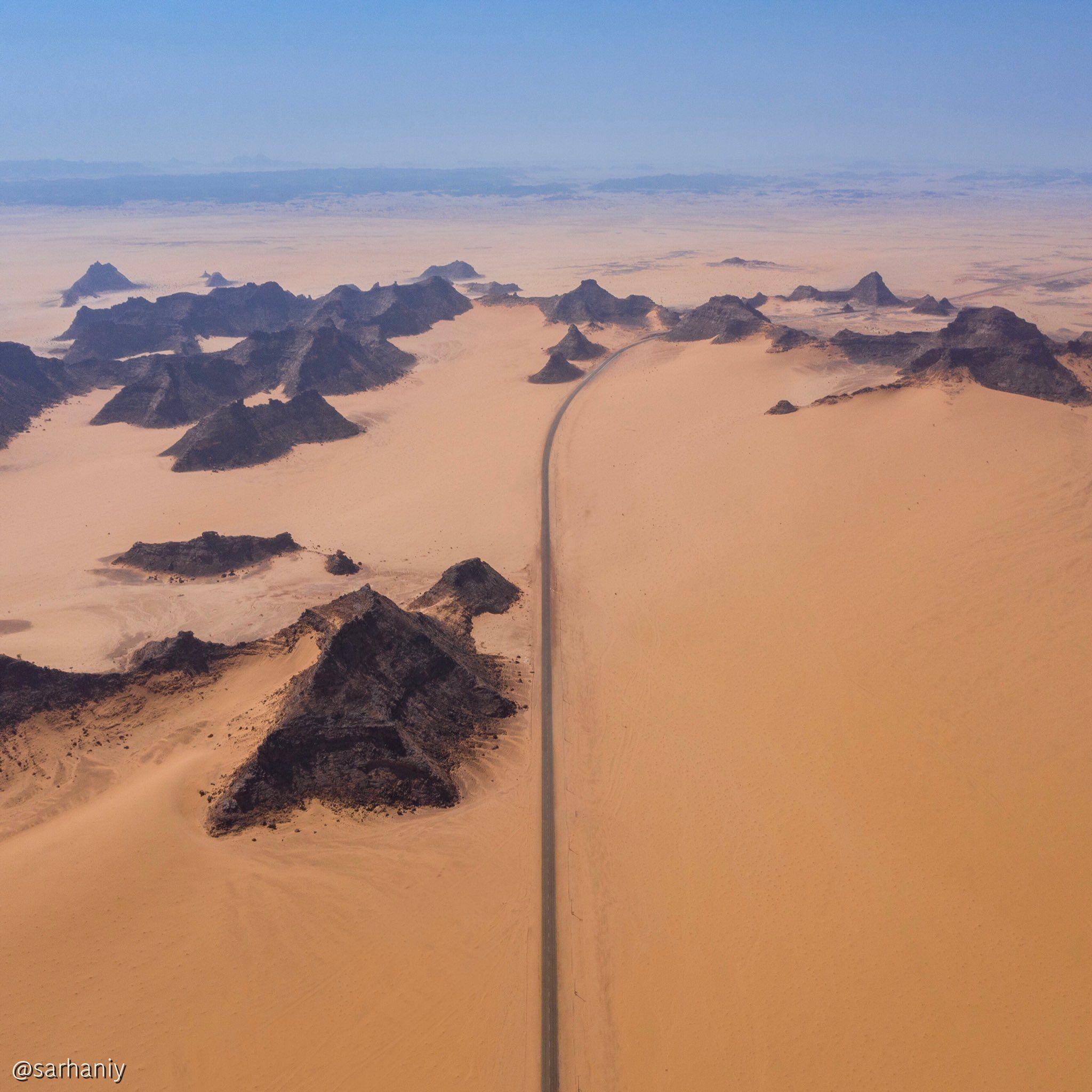 إبراهيم سرحان Ibrahim Sarhan On Twitter In 2020 Beautiful Roads Saudi Arabia Natural Landmarks