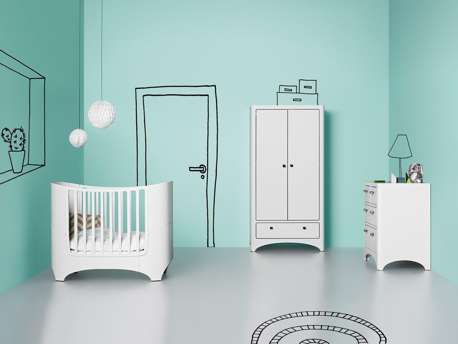 Design scandinave - chambre bébé Leander Lit bébé, Armoire deux ...