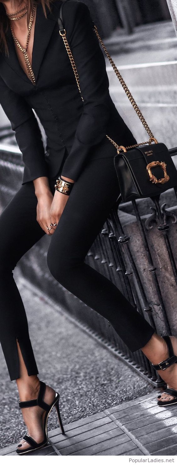 All Black Outfit With Gold Accessories Fashion Black Fashion Womens Fashion [ 1481 x 564 Pixel ]