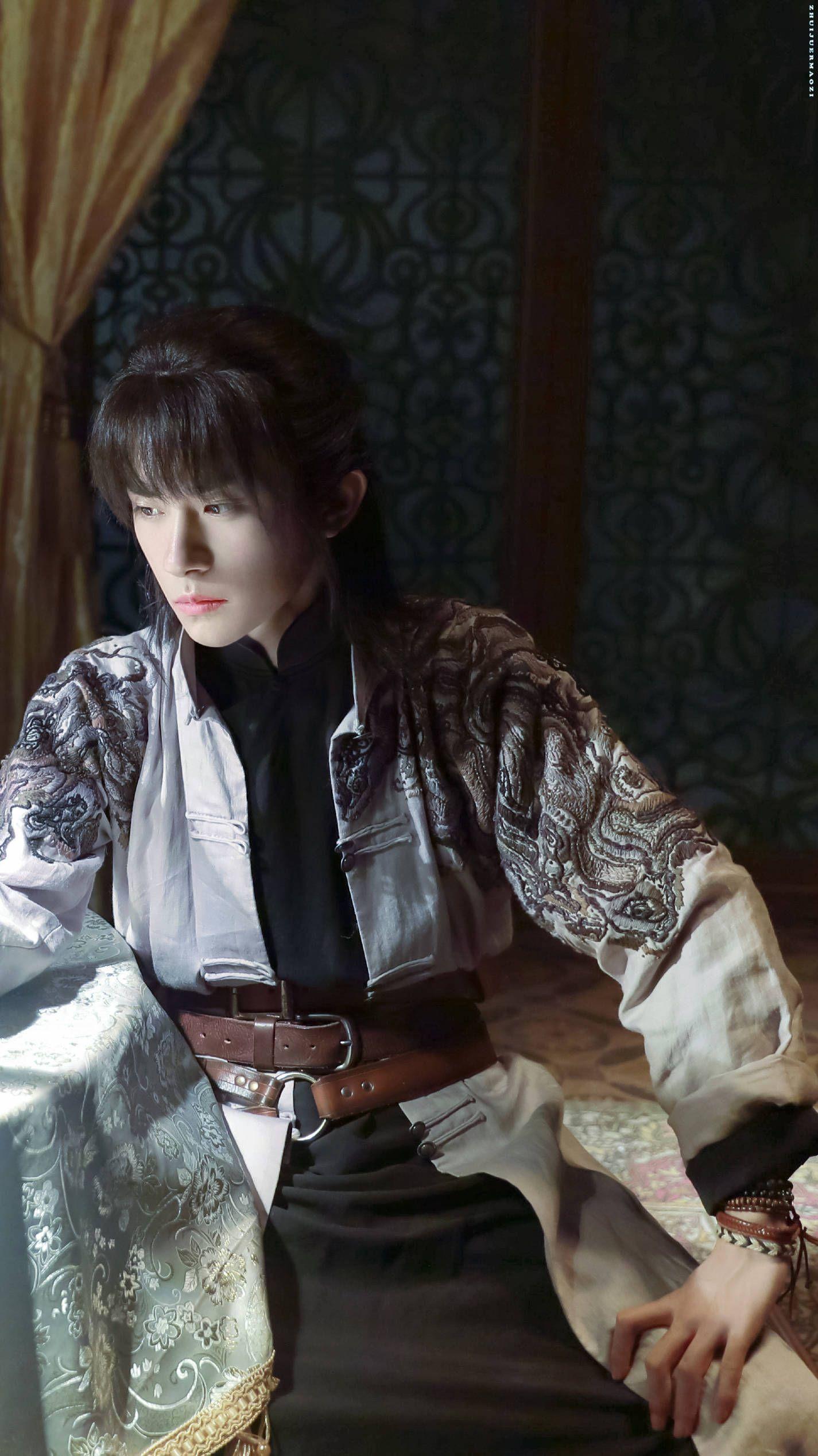 Dịch Dương Thiên Tỉ trong phim trường Diễm Thế Phiên