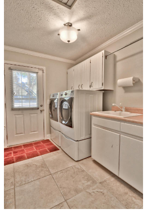 Pin By Got Beach On Sold 3016 W 30th Street Panama City Fl 32405 349 000 Home Appliances Washer And Dryer Home