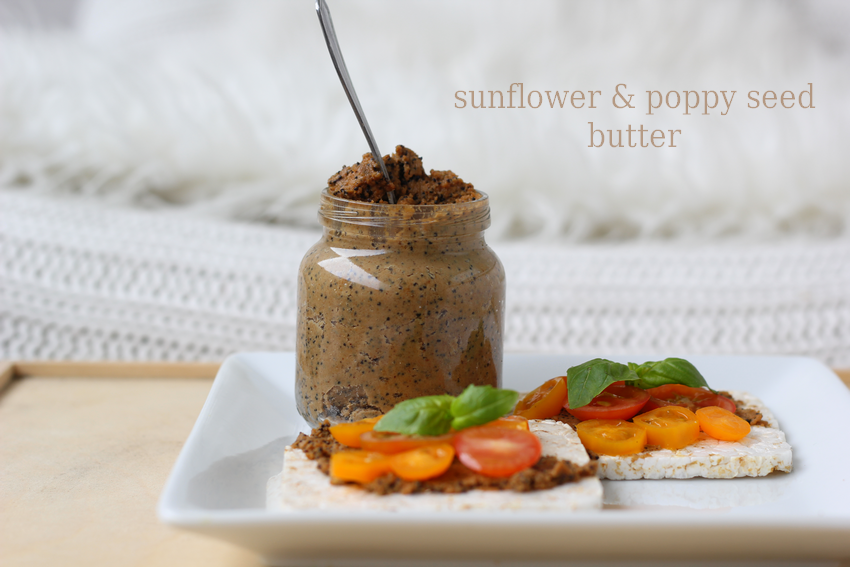 DIY Sunflower & Poppy Seed Butter // DIY pähkinä- tai siemenvoita  http://lifetastesgood-nanne.blogspot.fi/2014/12/joulukuun-3-diy-lahjaksi-pahkina-tai.html?utm_source=feedburner&utm_medium=feed&utm_campaign=Feed:+blogspot/foVaA+(Life+tastes+good)