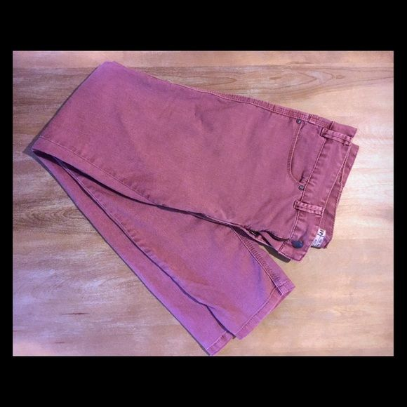 Free People Skinny Jeans, 31 Free People skinny jeans, dusty rose, size 31. Not sure of material/s as there's no care tag, but they're soft and most likely cotton with 2% spandex/elastane. Inseam measures 32 in. Free People Jeans