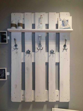 palettenm bel f r den flur m bel pinterest m bel palette und m bel aus paletten. Black Bedroom Furniture Sets. Home Design Ideas