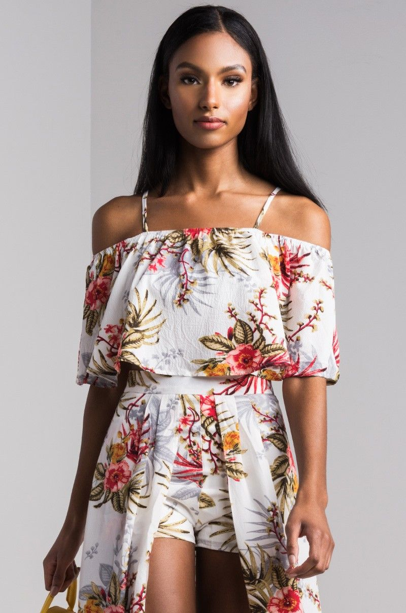 9db02011bc5391 AKIRA Cold Shoulder Floral Print Crop Top in Ivory Print