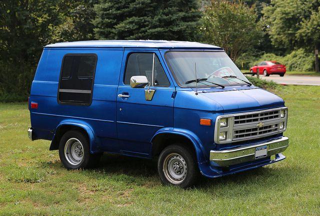 Pin By James Mattox On Short Commute Custom Vans Classic Cars Trucks Vans