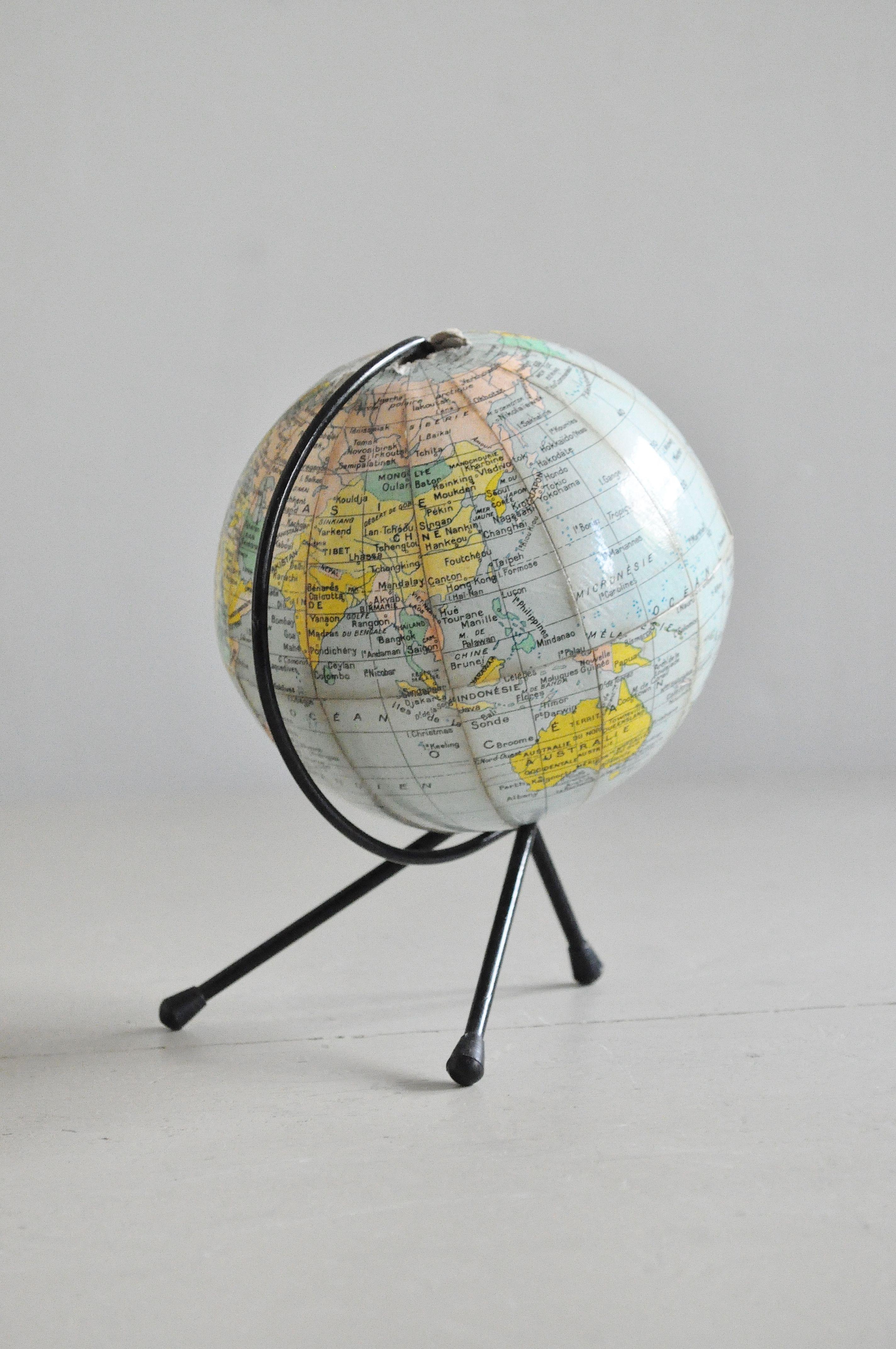 petit globe terrestre stuff pinterest globe. Black Bedroom Furniture Sets. Home Design Ideas