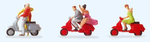 Manufacturer: Preiser Art.-No. 10607 EAN: 4041032106076 Gauge H0 1:87 Package content: 5 pcs. Delivery Date: 2010 »Vespa«-riders Exclusive series. Made of plastic. Carefully hand painted. Set with 5...