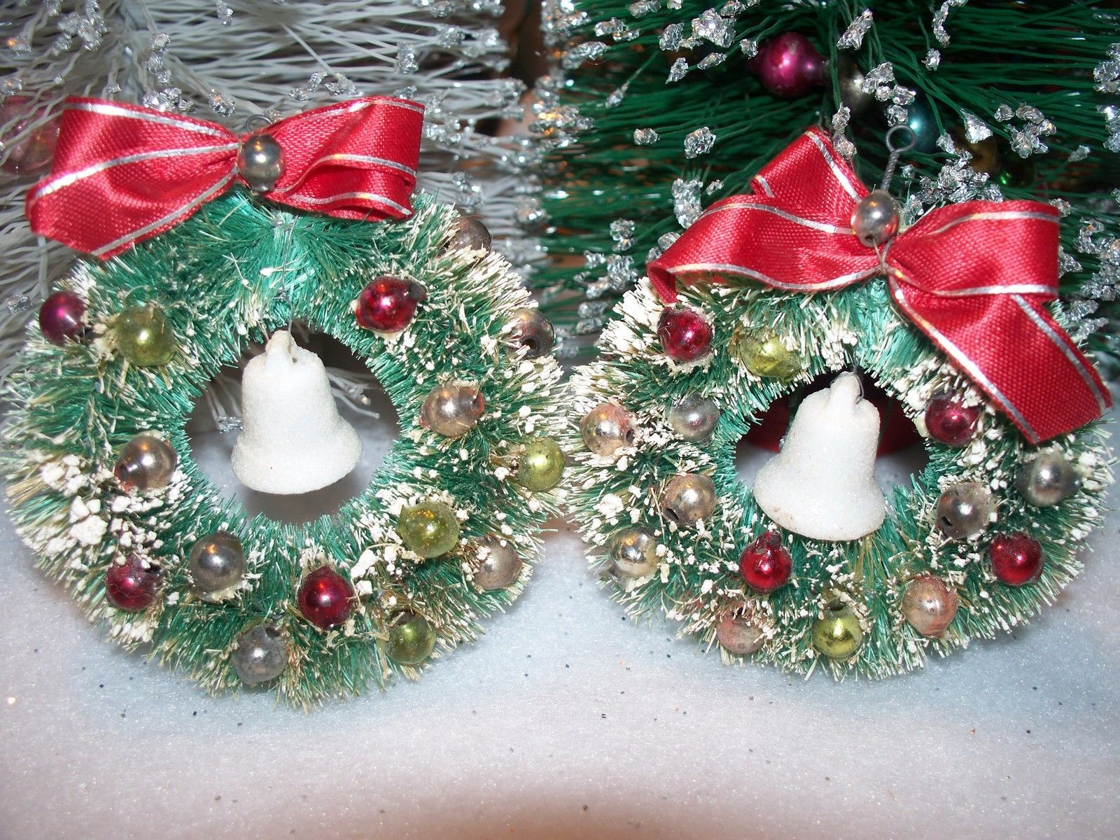 vintage 3 12 bottle brush Christmas wreaths vintage