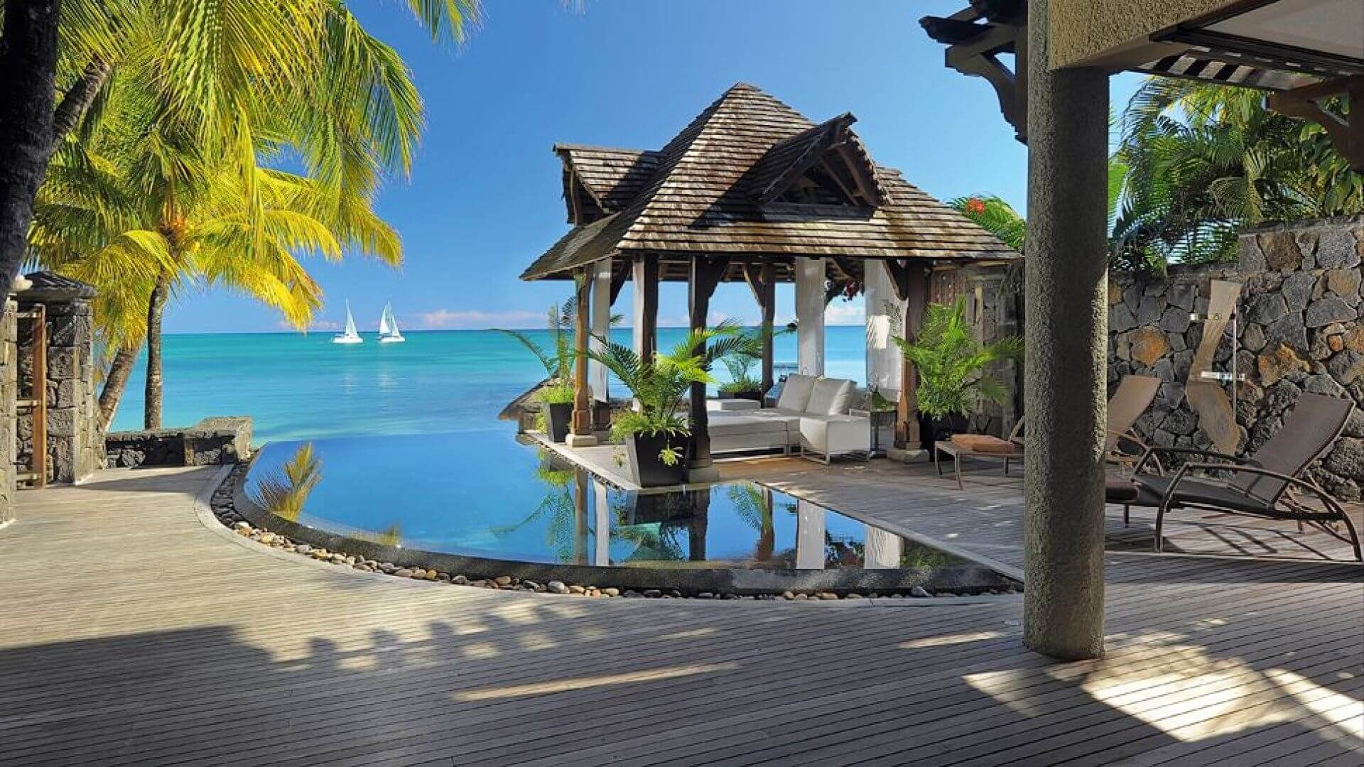#Royal Palm Beachcomber #GrandBaie #Africa #Mauritius #Hotels #travel #travelblogger #travelgram #travelguide #travels #travelling #travelblog #traveladdict #traveladikkt #beautifuldestinations #bucketlist #luxury #luxurylifestyle #luxurytravel #luxurydestinations #lifestyle #lifestyleblogger #beautifulplaces #beautifulplace #beautiful #beautifuldestination