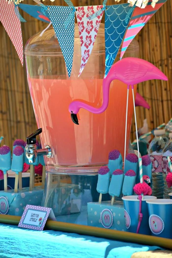 Flamingo pool party summer party pinterest fiestas for Piscina party