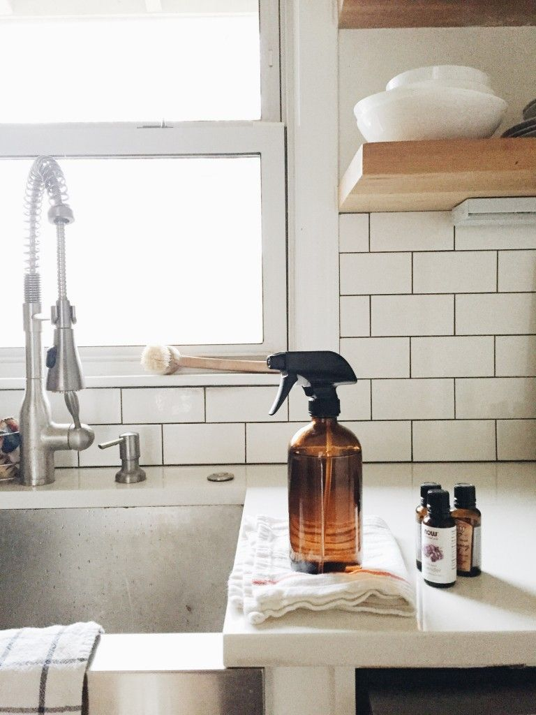Diy Spray Cleaners And Room Spray Using Essential Oils