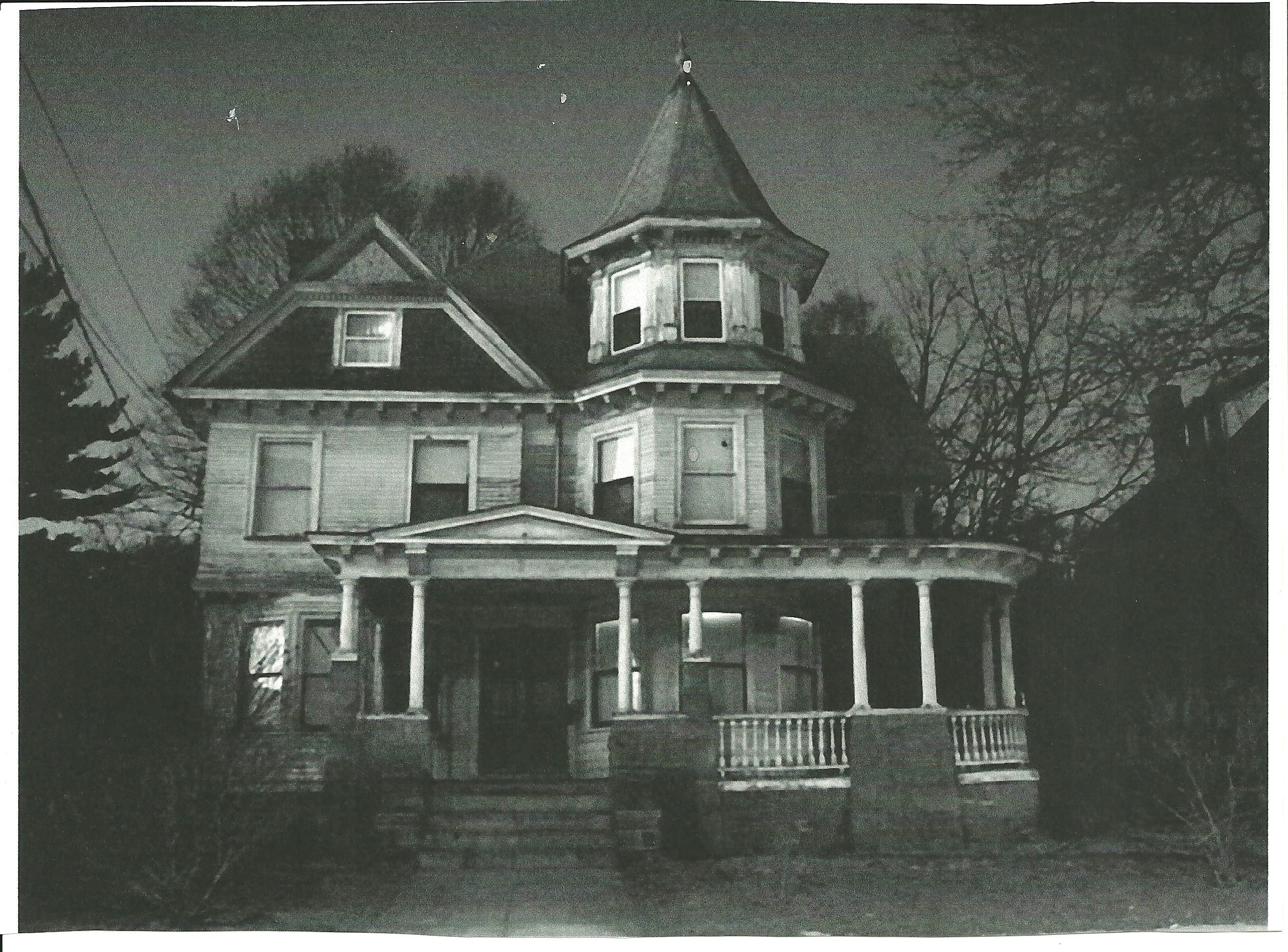 50 Homes That Look Like Haunted Houses Creepy Houses Old Abandoned Houses Abandoned Houses