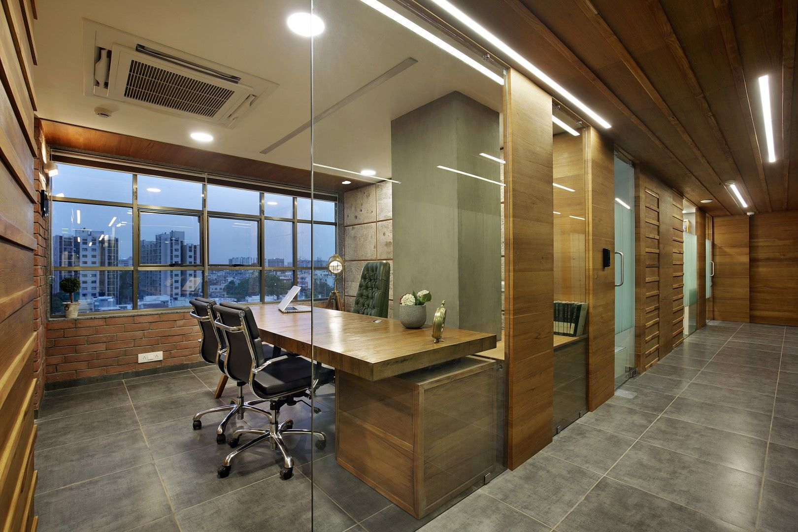pin by harsh gangar on earthy theme office 01 office interiors rh pinterest com