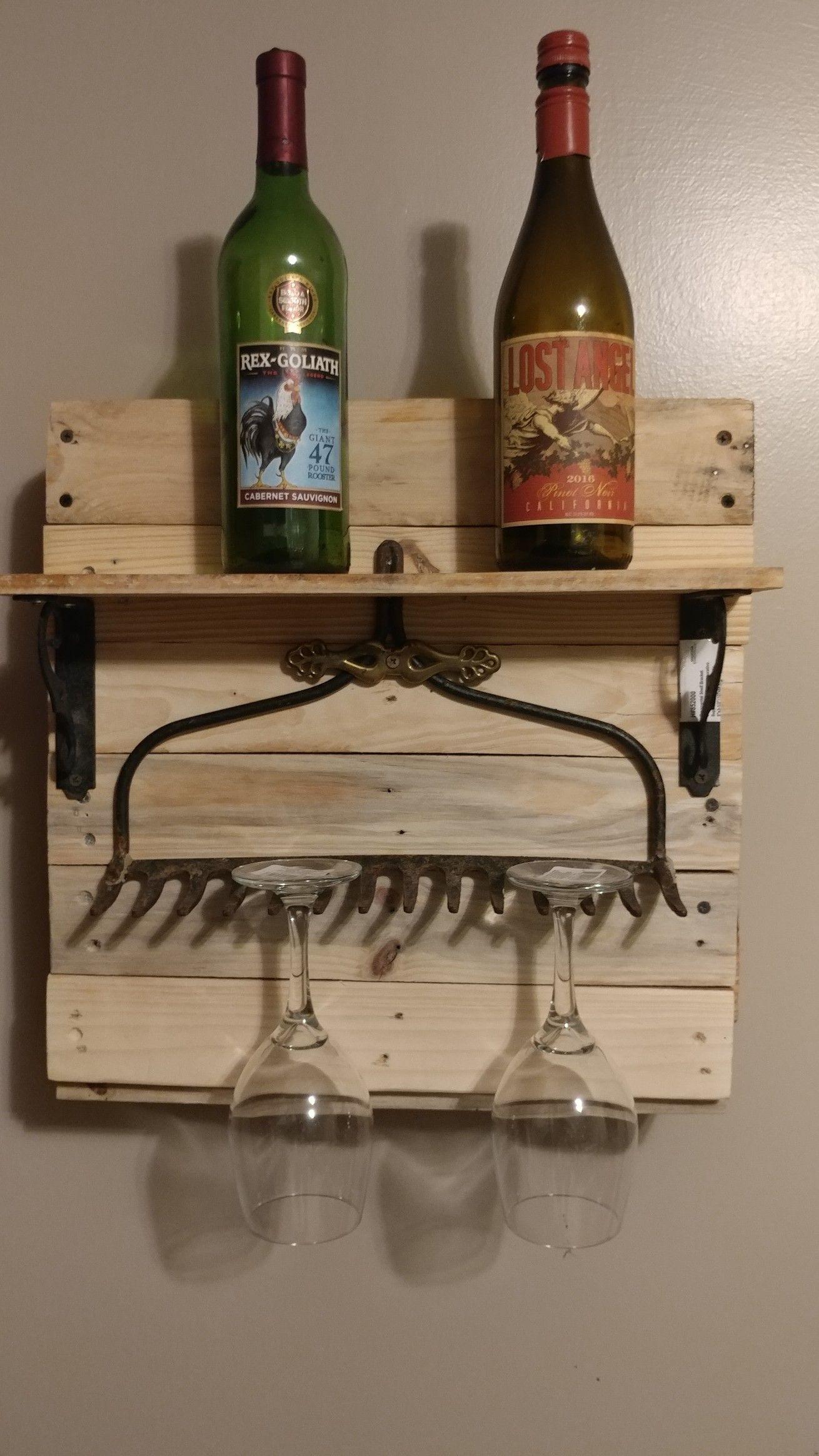 Pallet Wine Rack With A Heavy Rake Wine Glass Holder Pallet Wine Rack Wine Rack Glass Holder Wine Glass Holder Diy Wine rack with glass holder