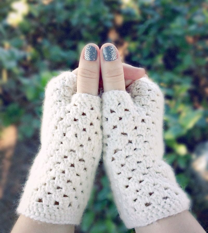 Delicate Crochet Fingerless Gloves A Free Pattern Your Favorite