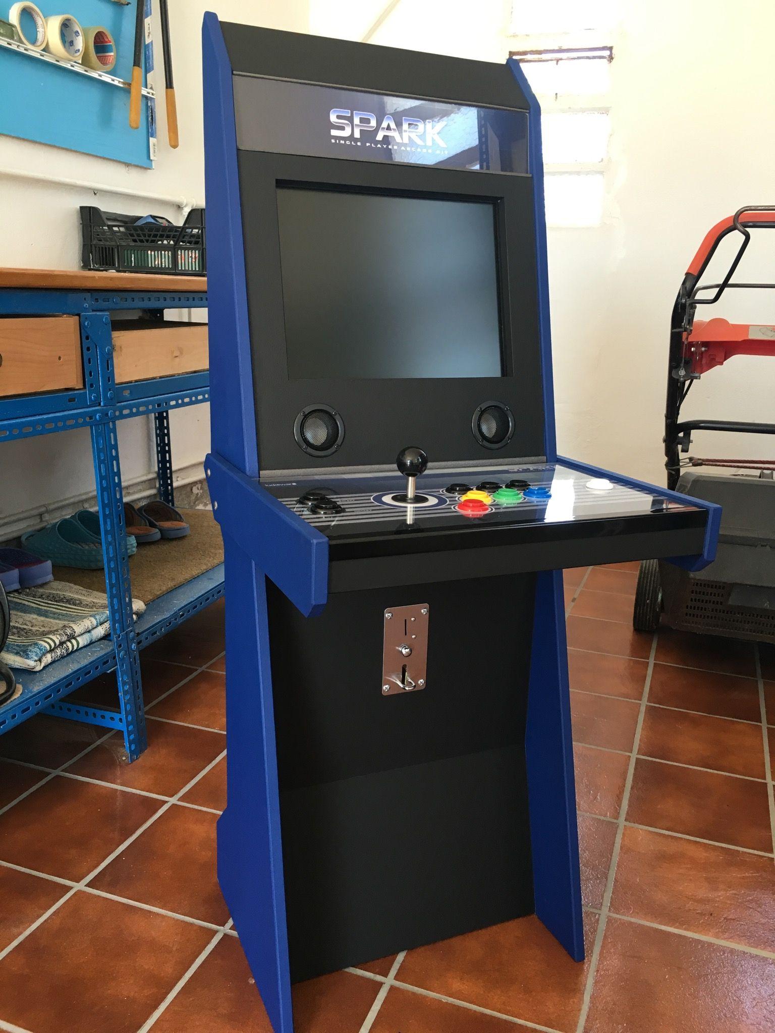 Single player arcade sit-down. Homemade based on Vigolix | Maker ...