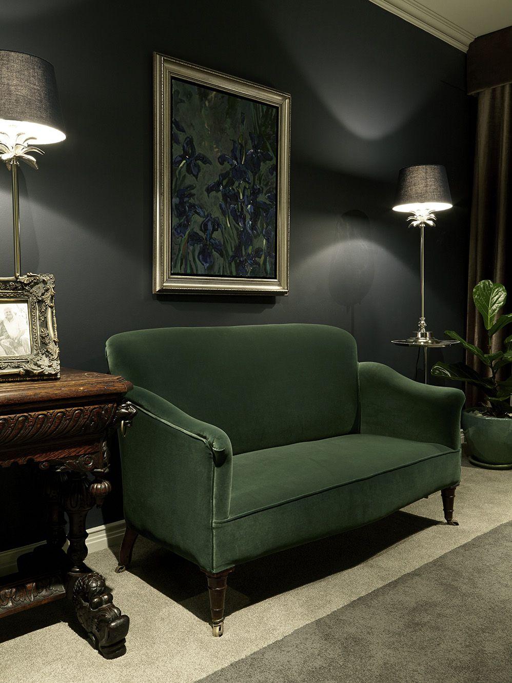 Gentlemen Bedroom Green Velvet Green Couch Navy Apartment