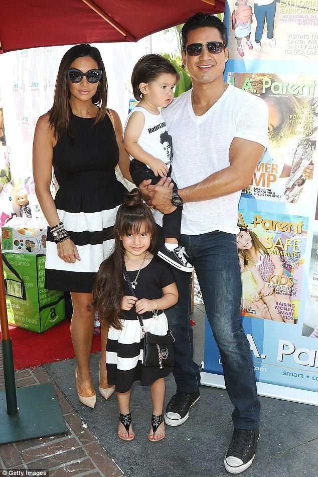 Mario Lopez And His Wife And Children Wear Coordinated