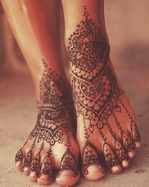 Henna Tattoo Designs On Foot: Amazing Henna Tattoo On Feet