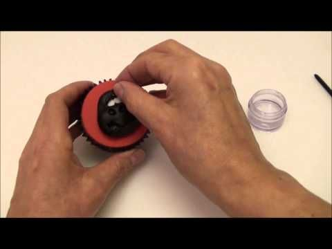 Sugarcraft Cupcake Topper - How to make a Gorilla topper!