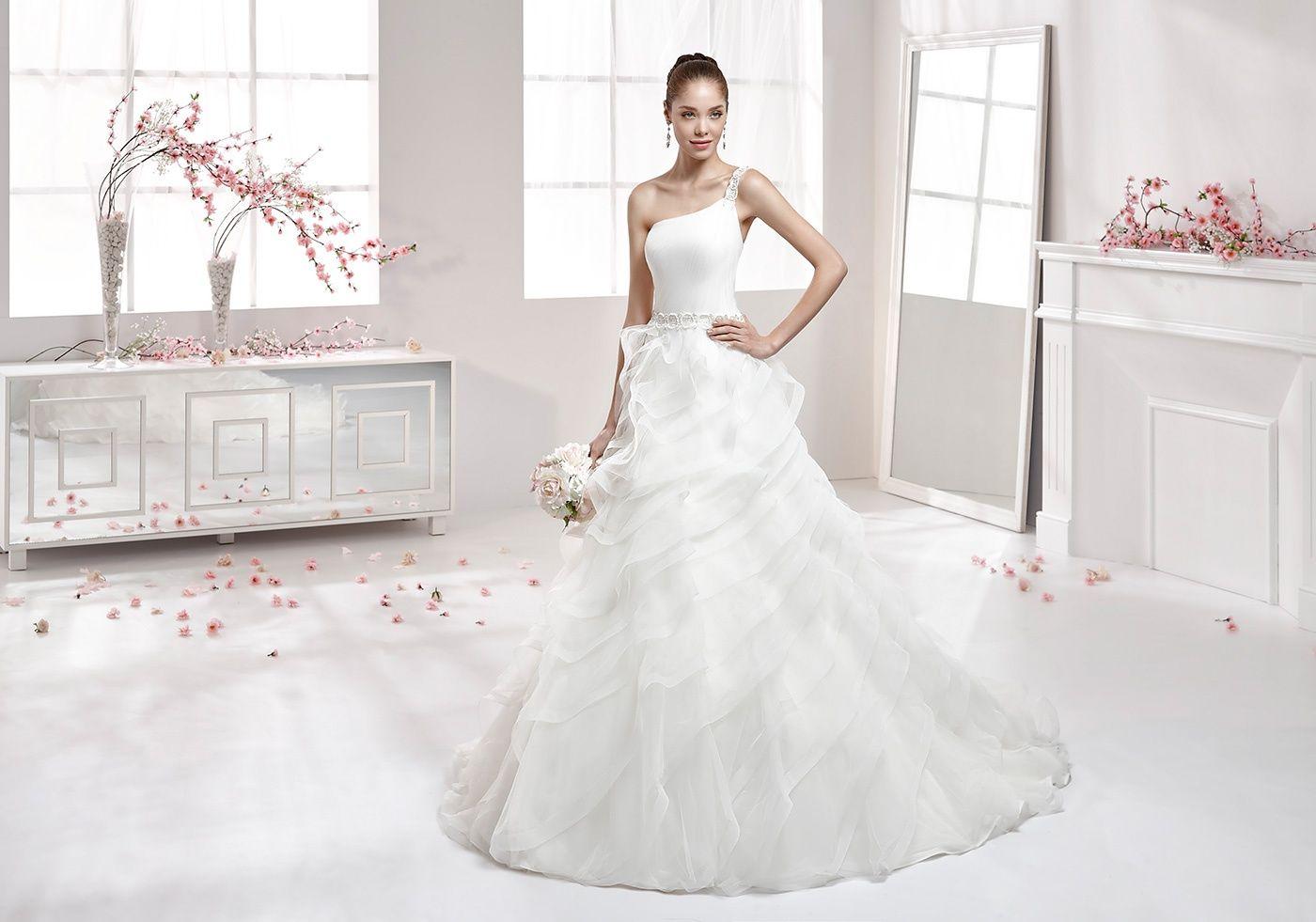 Moda sposa 2016 - Collezione AURORA.  AUAB16948. Abito da sposa Nicole.