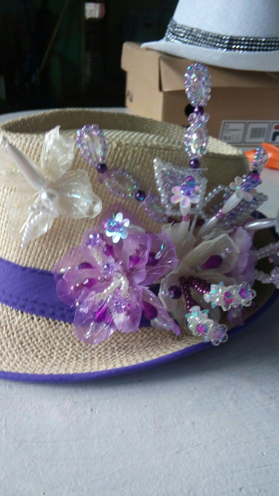Sombrero de escama de pescado