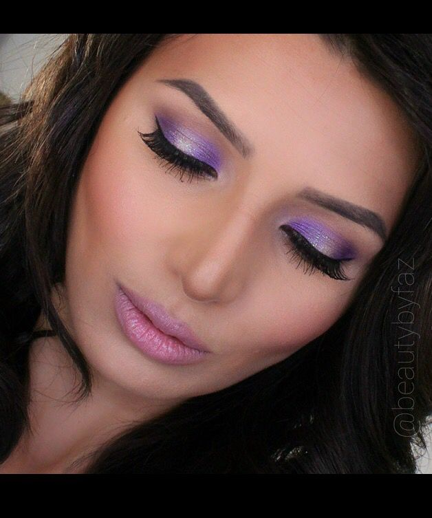 Ideal make up in light colors