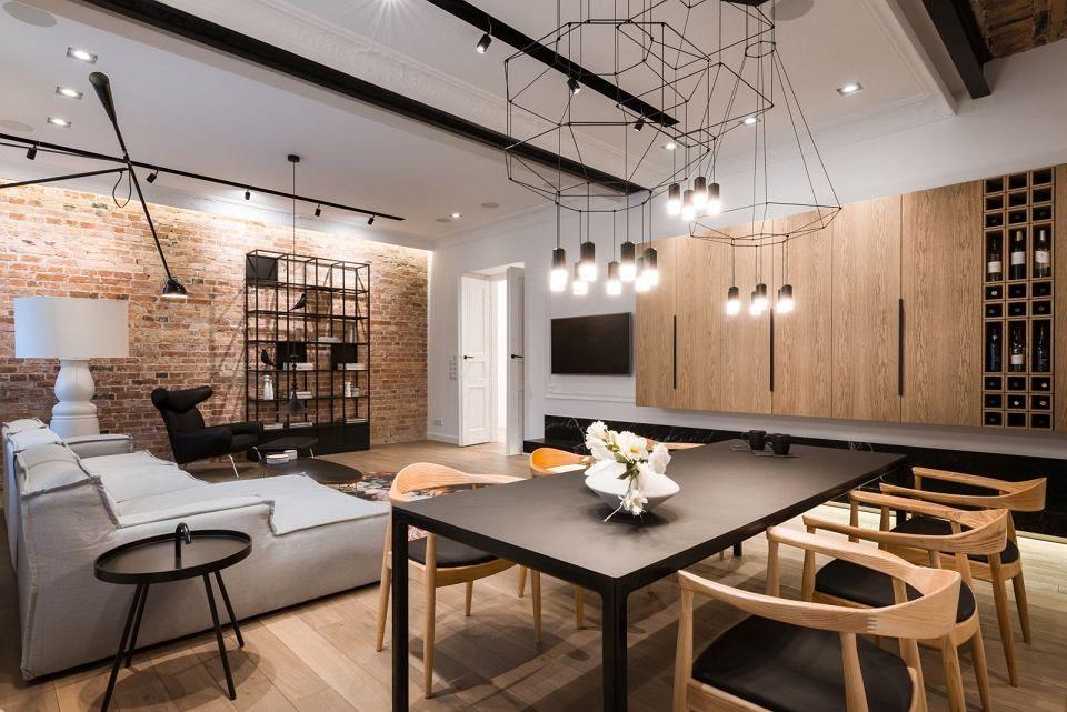 Drewno I Ceglana Sciana Dodaja Pomieszczeniu Ciepla Apartment Interior Design Interior Design Living Room Home