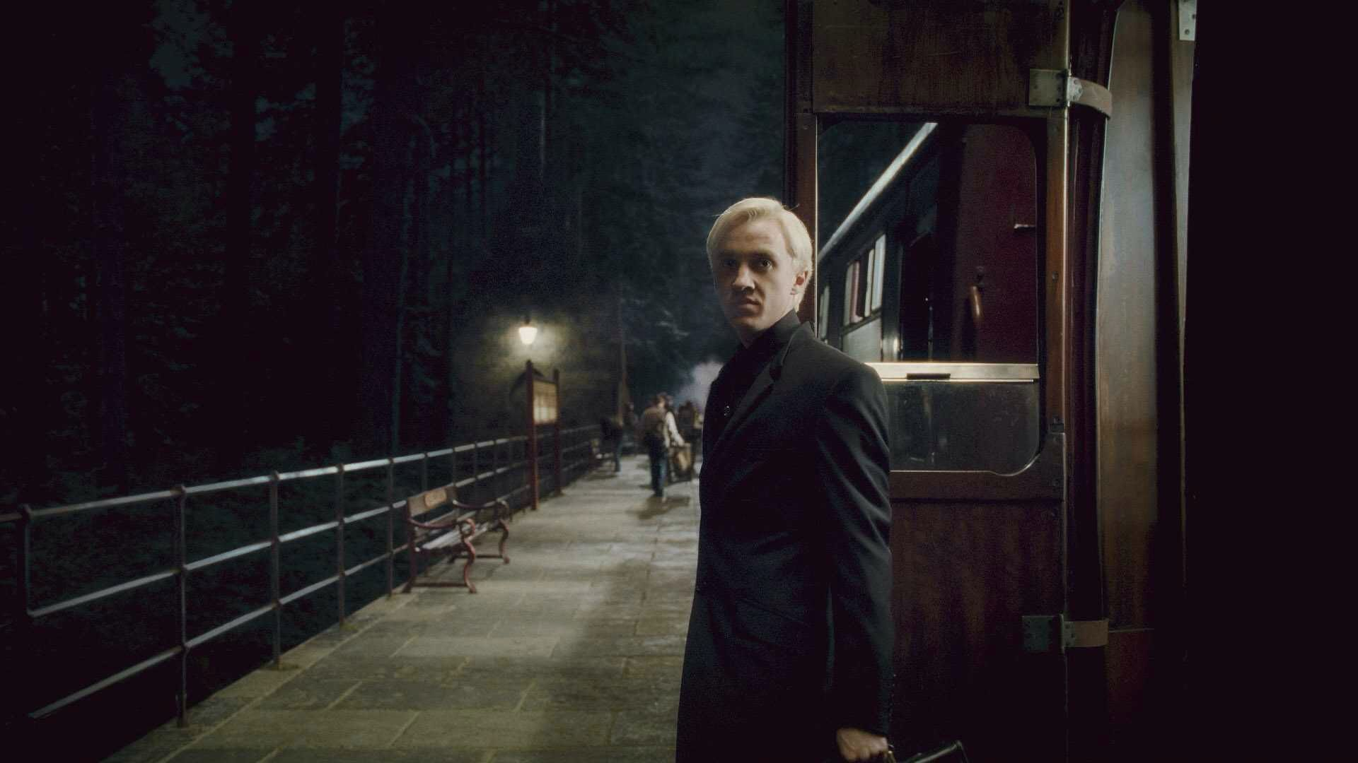 Pin By Sophie Green On Harry Potter Draco Malfoy Draco Harry Potter