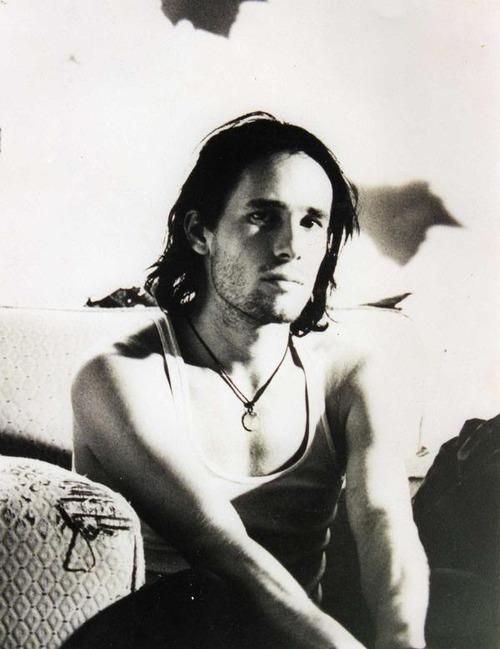 Jeff Buckley. Divine creature. So many shades of wow ...