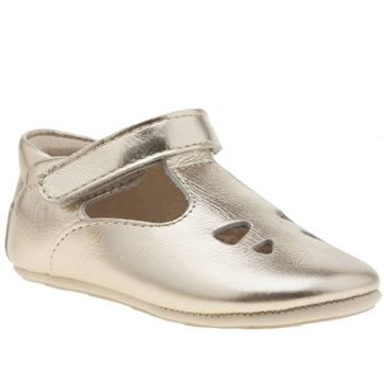 Young Soles Gold Tippi Crib Girls Baby Your little one can go for gold with their first steps, as Young Soles provide us with their Tippi baby shoes. Designed with tiny kids feet in mind, the gold leather T-bar doubles as a touch fastening http://www.MightGet.com/january-2017-13/young-soles-gold-tippi-crib-girls-baby.asp